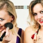 dvě kamarádky, použití — Stock fotografie