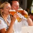 paar in Beierse klederdracht — Stockfoto