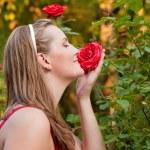 Bahçe işi yapan kadın — Stok fotoğraf #5052742