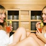 Two friends (female) enjoying — Stock Photo #5056880