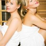 Two friends (female) enjoying — Stock Photo #5056882