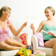 Two friends (female) enjoying — Stock Photo #5056964