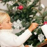 enfant l'éclairage de Noël — Photo #5057225