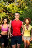 Fitness und Sport am Strand, Leute beim Jogging — Stock Photo