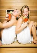 Two friends (female) enjoying — Stock Photo
