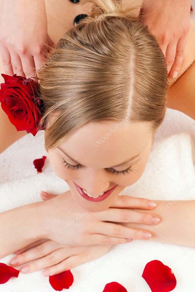 Massage in a spa situation feeling visibly good   Stock Photo #5057076