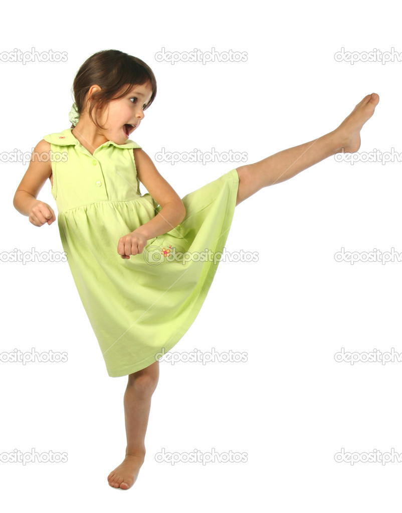 Screaming little girl kick by foot — Stock Photo #4940958