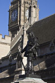Oliver Cromwell monument near Westminster Palace — Stock Photo
