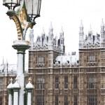 Pałac Westminster przed świętami Bożego Narodzenia w Londynie — Zdjęcie stockowe