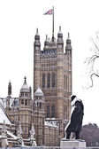 Snow and fog near Westminster Palace before Christmas in London — Stock Photo