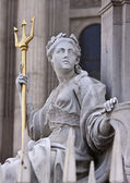 Queen Anne's Statue at St. Paul's Cathedral — Stock Photo