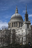 St. Paul's Cathedral from the east — Stock Photo