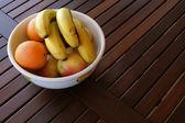 Корзина с фруктами — Стоковое фото