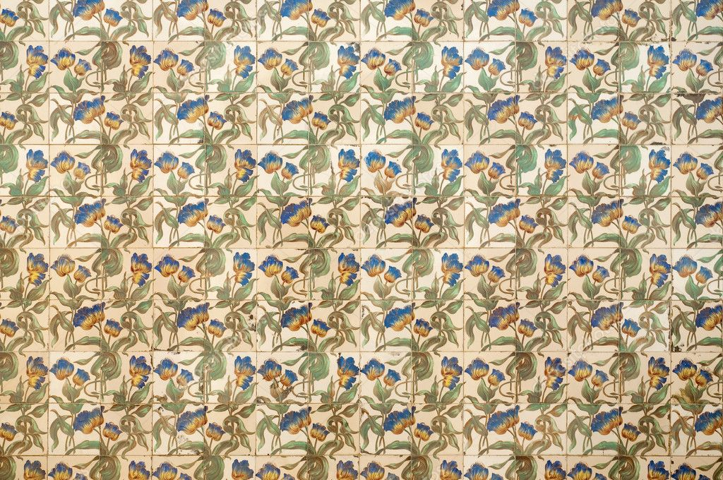 Old tile with floral decoration arrt nouveau style — Stock Photo #4894104
