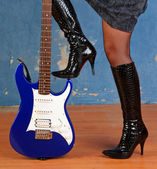 Rock lady with Electroguitar — Stock Photo