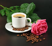 Coffee and pink rose — Stock Photo