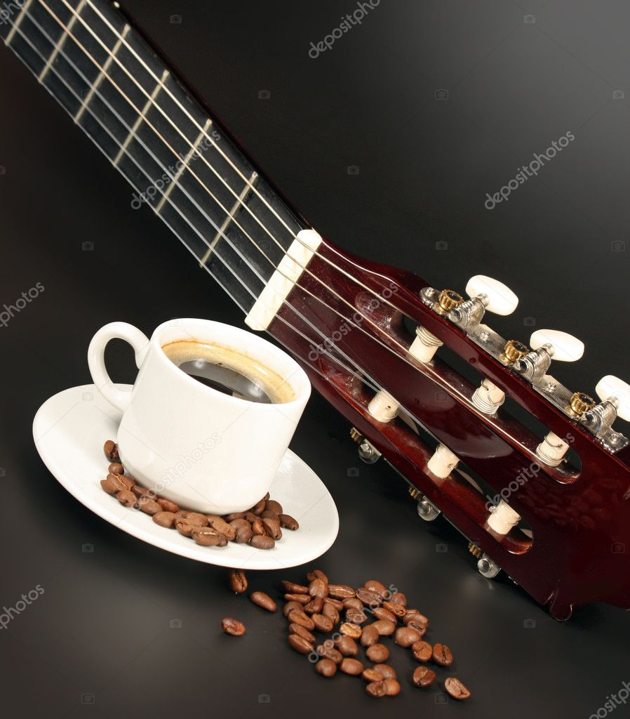 Coffe and guitar — Stock Photo #4884962