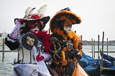 Two costumed women at Venice Carnival 2011 — Stock Photo