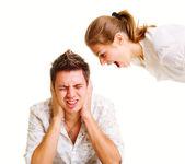Jonge vrouw schreeuwen naar man — Stockfoto
