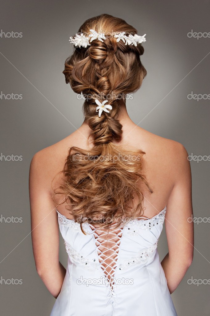 Back view of beautiful haircut with small flowers — Stock Photo #5159061