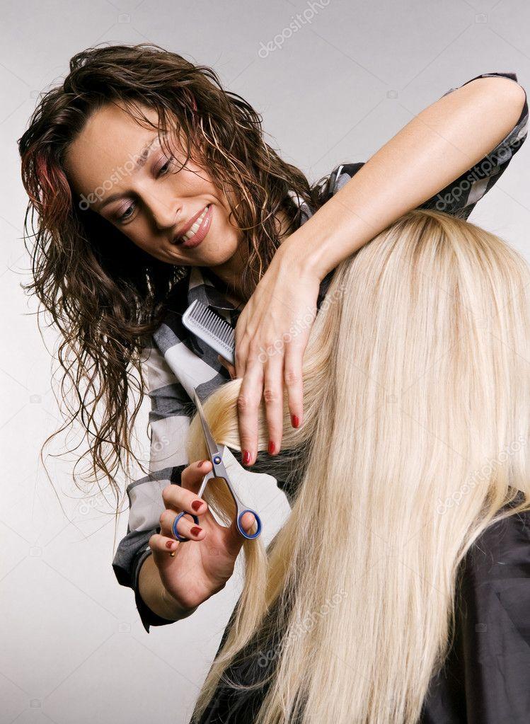 http://static5.depositphotos.com/1049184/516/i/950/depositphotos_5161639-Hairdresser-in-work.jpg