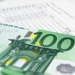 ������, ������: One Hundred Euros with a Balance Sheet