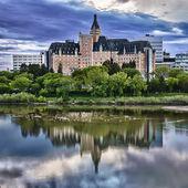 Delta Bessborough Hotel in Saskatoon, Canada — Stock Photo