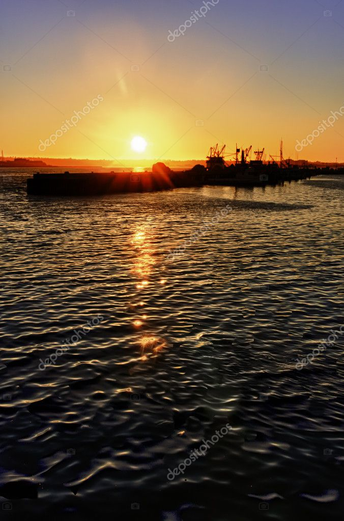 Sunset over the boats and harbor on San Diego Bay, California. — Stock Photo #5003351