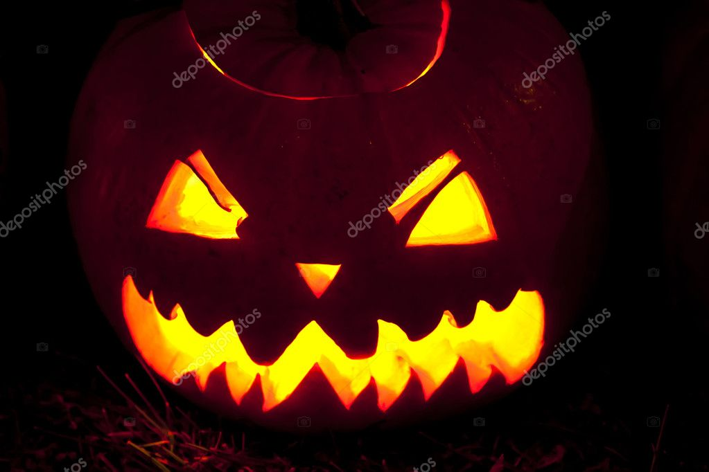 Carved pumpkin face — Stock Photo #5060078
