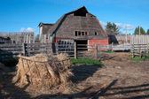Old barn and farm yard — Stock Photo