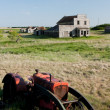 Old Tractor in Ghost Town — Stockfoto #5163802