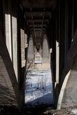 在桥下 — Stockfoto