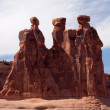 formazione di tre comari in arches national park — Foto Stock #5171069