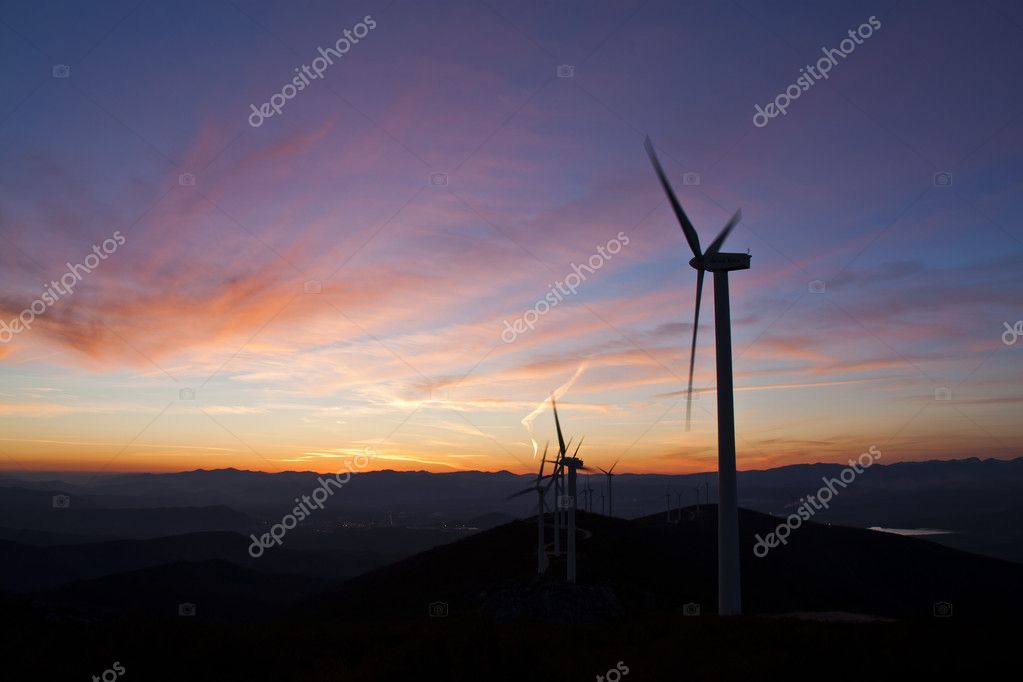 Atardecer Molinos Eolicos, windmills sunset — Stock Photo #5233216