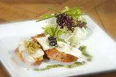 Crostini quattro fromagi — Stock Photo