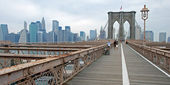 Brooklyn bridge in New York City panorama — Stock Photo