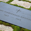 Gravestone of JFK on Arlington National Cemetery — Stock Photo