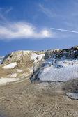 летать под снежные горы — Стоковое фото