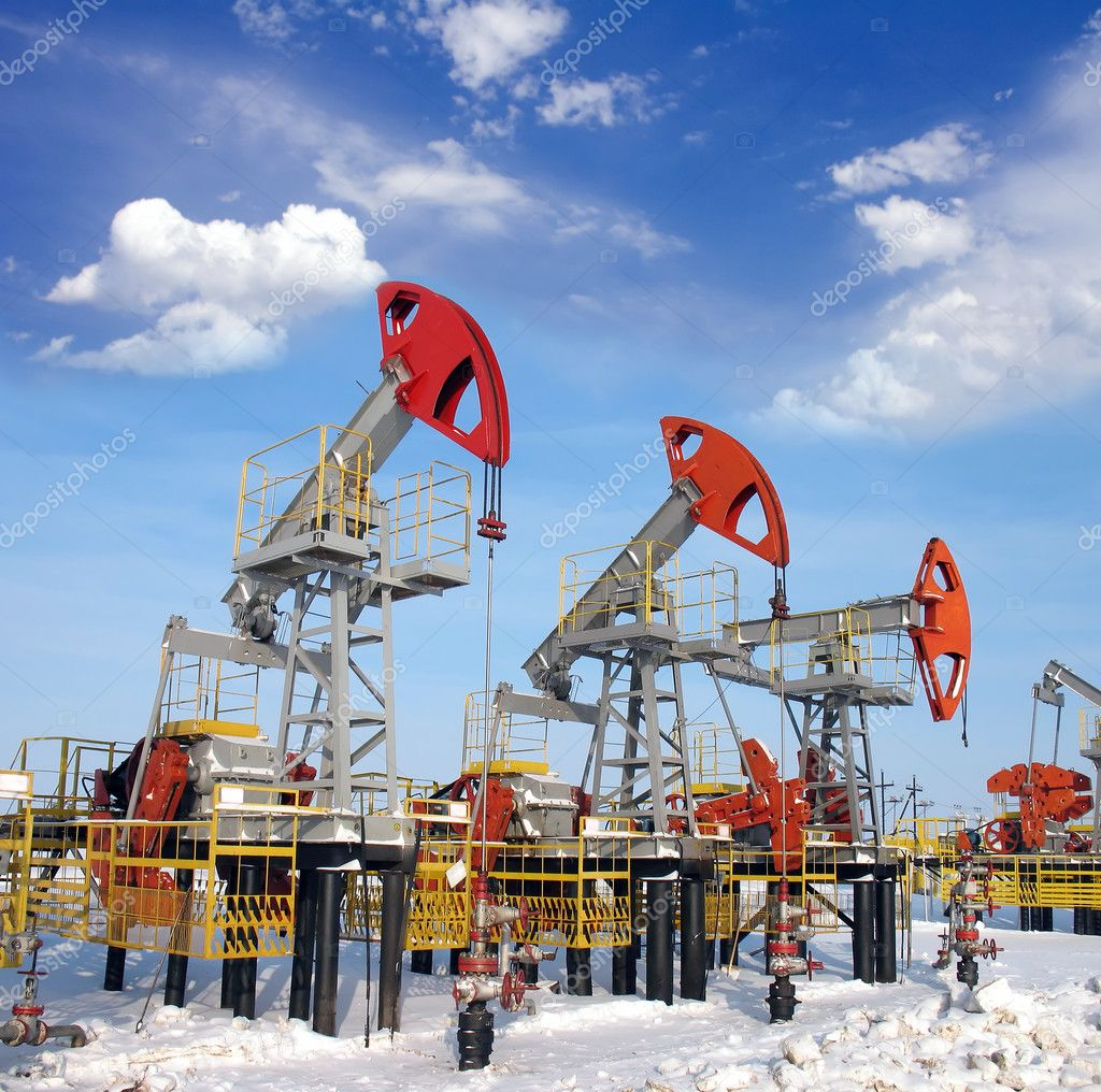 Blue sky above oil field — Stock Photo #5039048