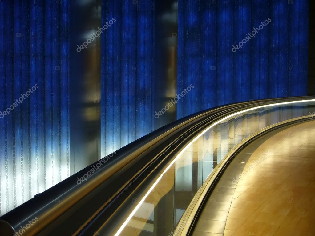 Tecnologic subway in madrid — Stock Photo #5135636