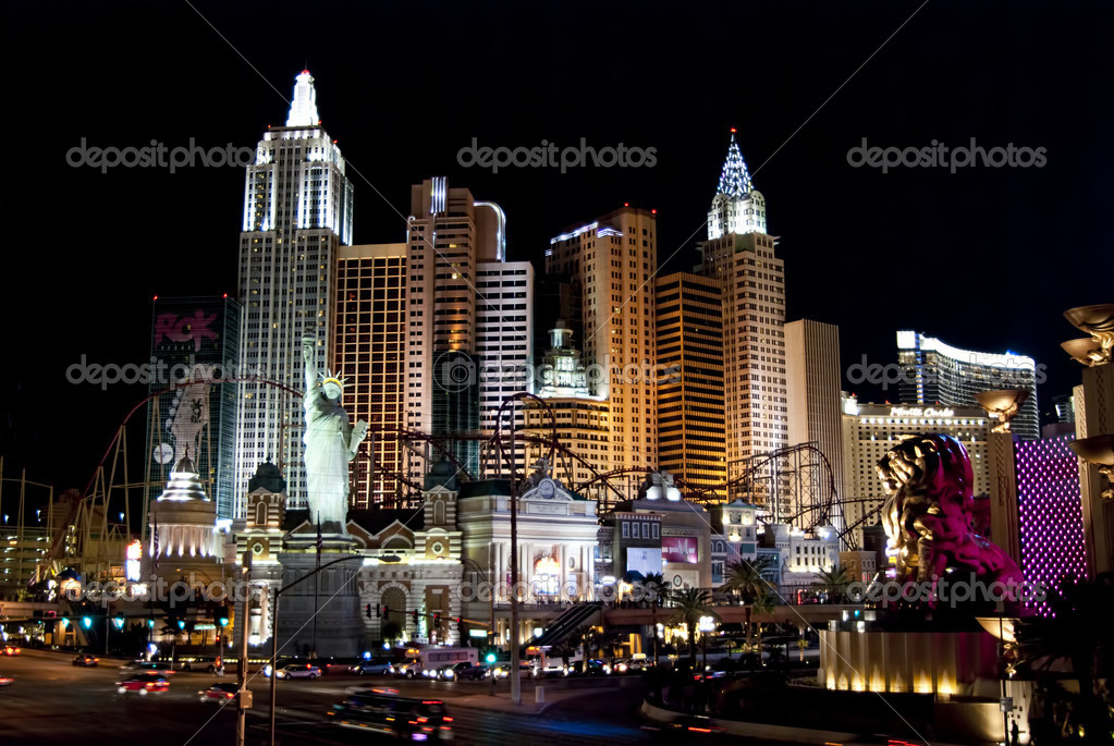 New York in Las Vegas. Las Vegas city scape at night. — Stock Photo #5013341
