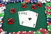 Royal flush and chips — Stockfoto