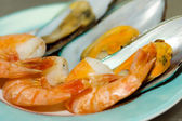 Plato con camarones — Foto de Stock