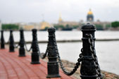 Chain fencing of quay in St.-Petersburg — Stock Photo