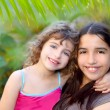 Mixed ethnicity cousin friends latin and caucasian — Stock Photo