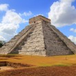 Chichen ItzKukulcMayPyramid El Castillo — Stock Photo #5282893