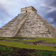 Chichen Itza el Castillo Kukulcan Mayan  Mexico — Stock Photo