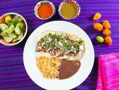 Tacos de puerco pork taco with chili sauces — Stock Photo
