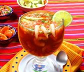 Cocktail of shrimps seafood mexican style chili sauce — Stock Photo