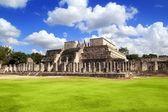 Chichen Itza Warriors Temple Los guerreros Mexico — Stock Photo